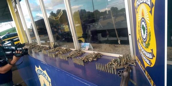 Homem transportava 1.183 munições de fuzil calibre 762; prisão foi em Cascavel, na região oeste do Paraná – Foto: PRF