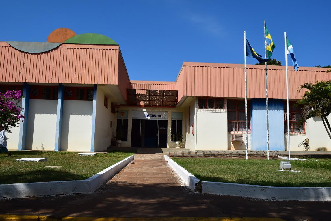 Prefeito Zé Roberto decretou abertura de concurso público para preenchimento de 67 vagas no quadro de servidores municipais.